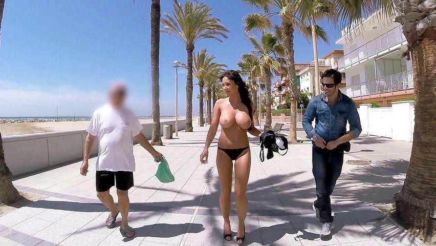 Tits sucked public