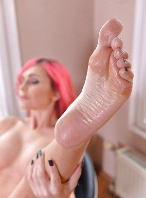 best of Toes oiled