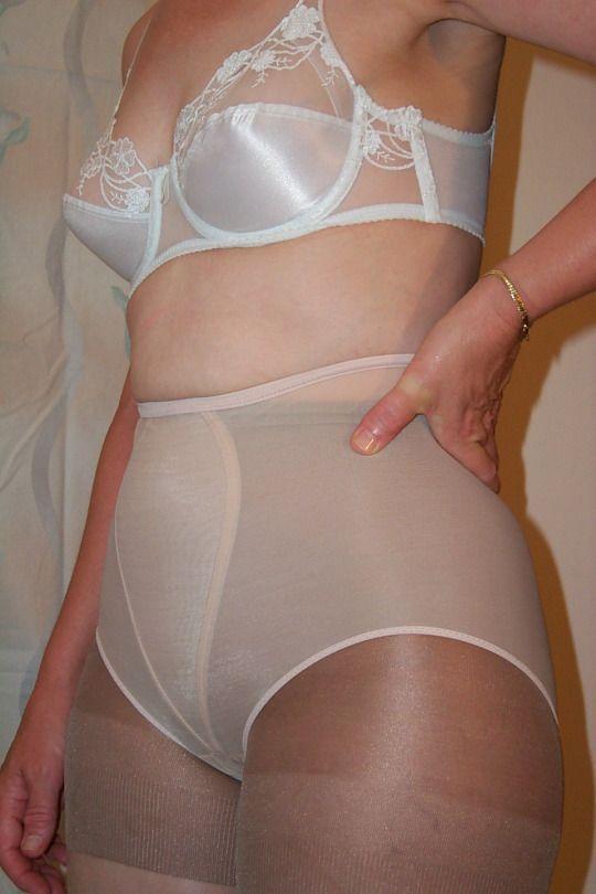 best of Pantyhose panties under