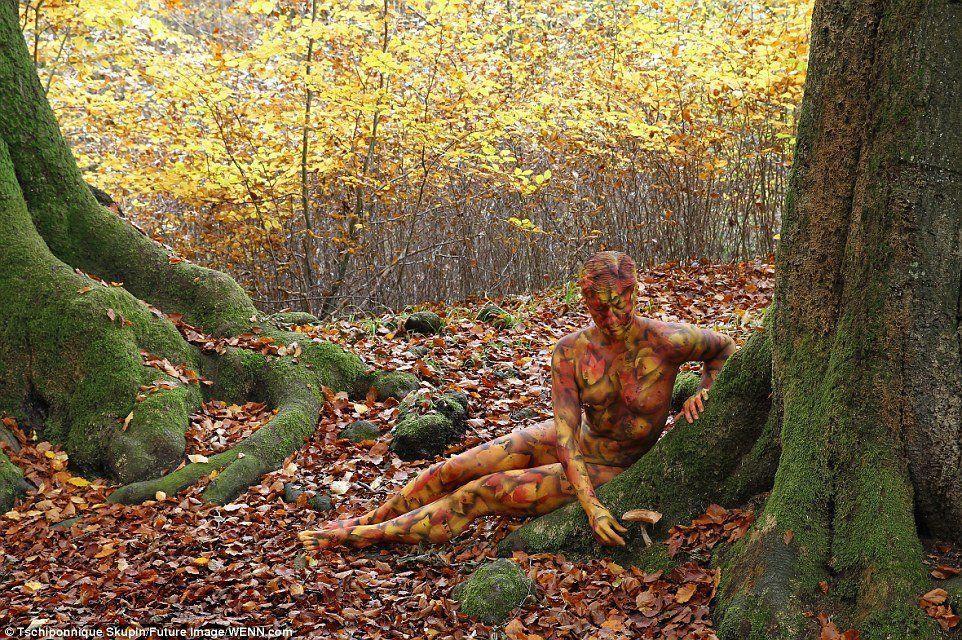Art nude autumn leaves