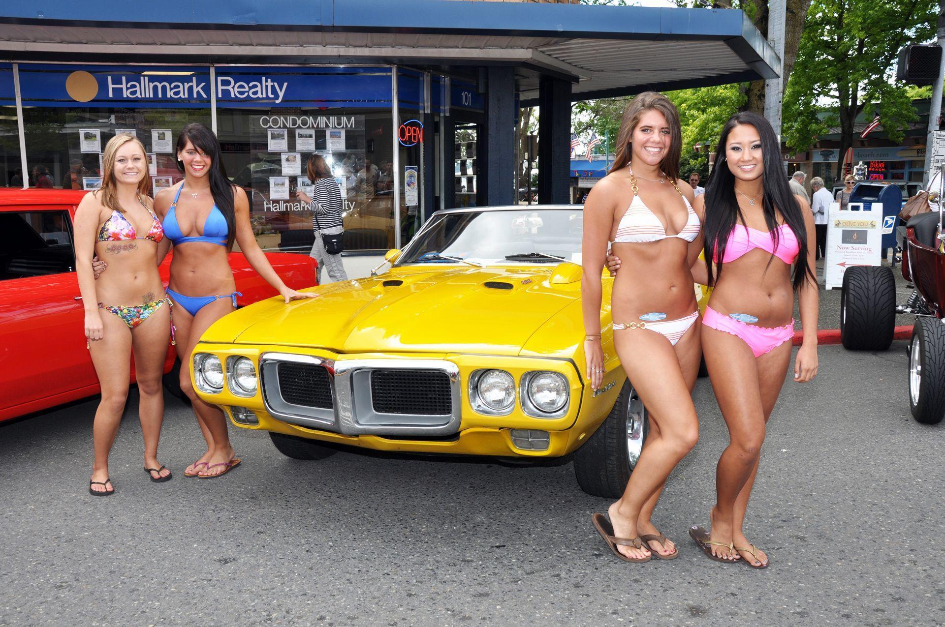 Auto show bikini models