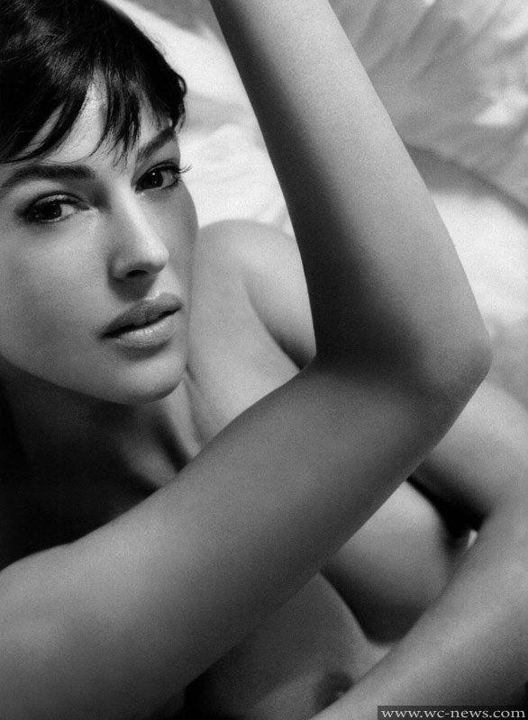 King K. reccomend Erotic monica bellucci