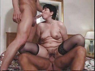 Amature swallowing huge load