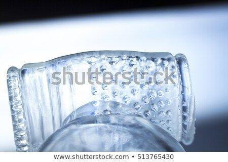 Ice cube vibrator