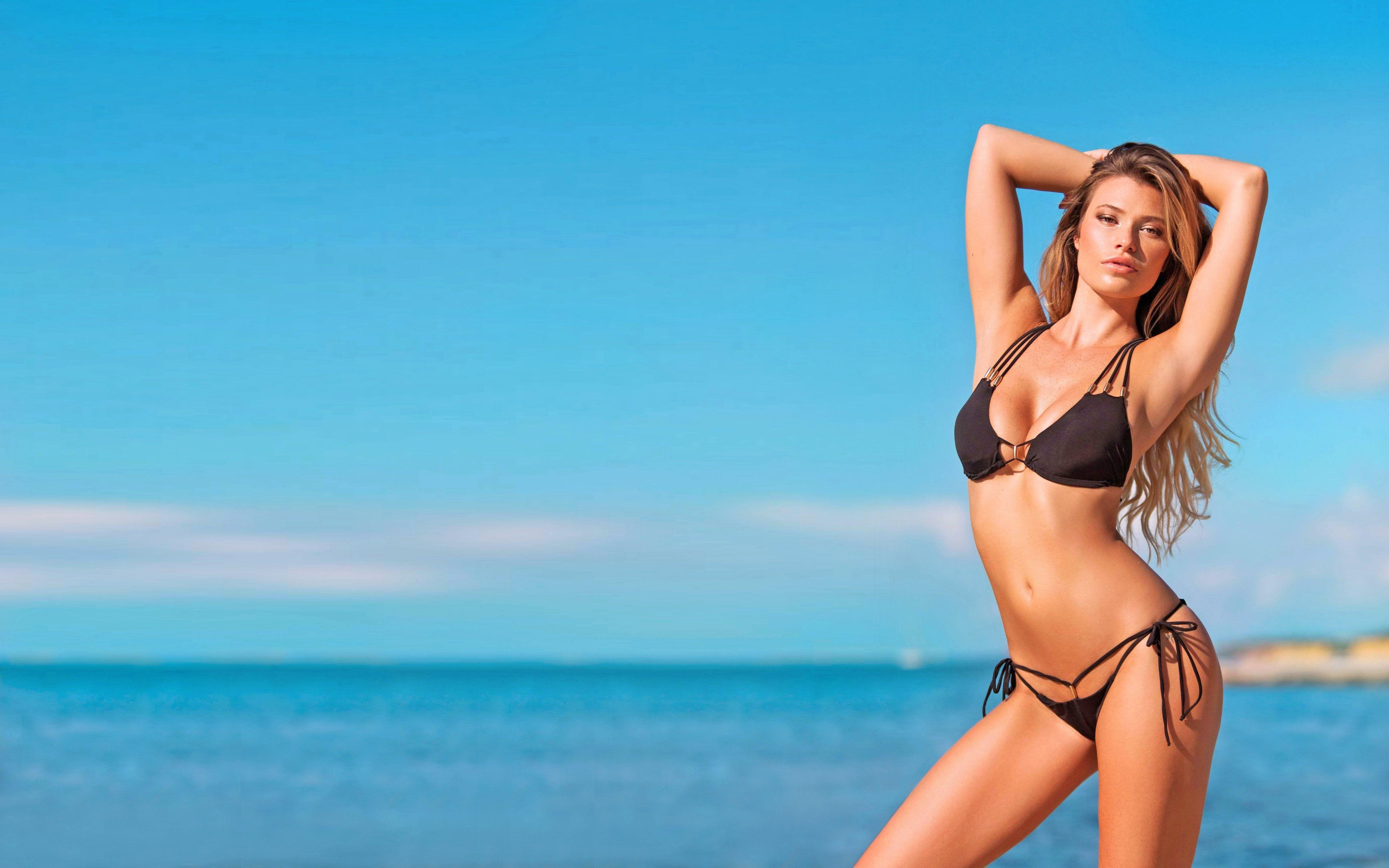 Butch C. reccomend Free bikini model wallpapers