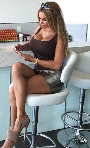 Busty gals blogger