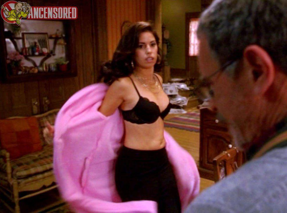 Buzz reccomend Marina Ambrosio jouis 3 fois a Paris