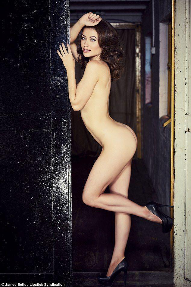 Actual calendar curling nude picture