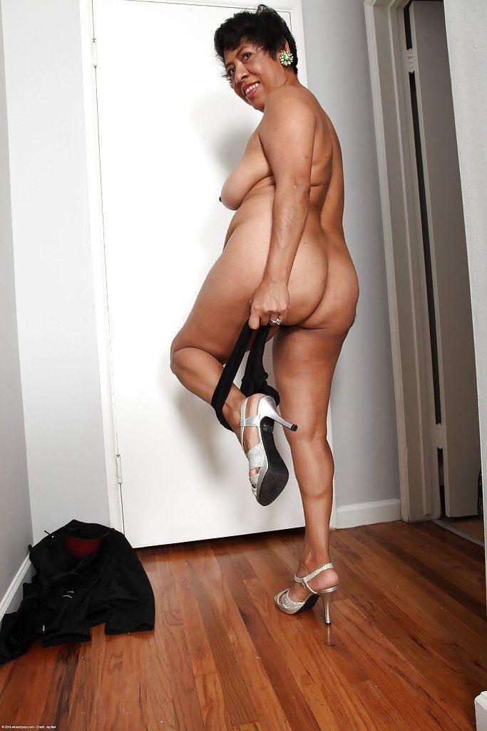 Sienna west ffm bikini