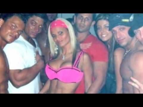 Banana S. reccomend Chicks with douches