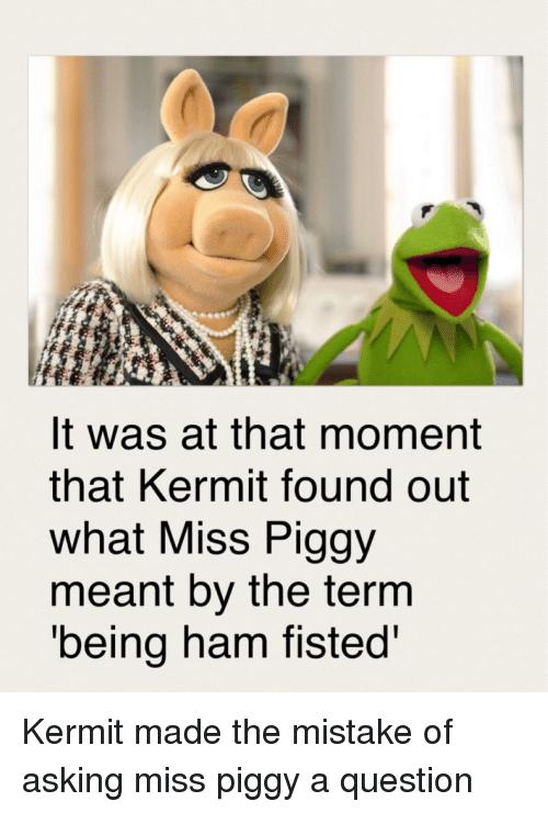 Kermit fisting piggy
