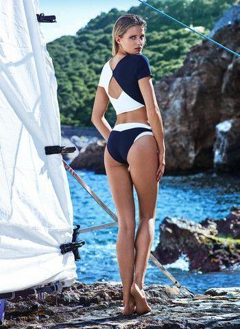 Bikini beach workd