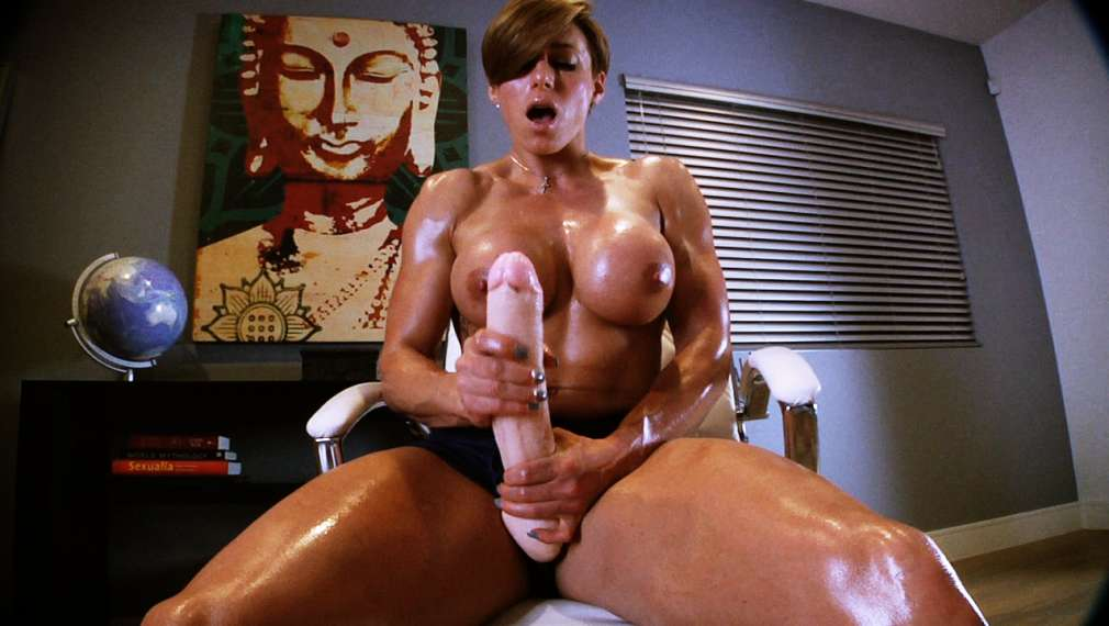 Free home video muscle girl porn