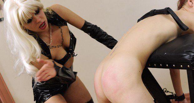 Elizabeth hurley in bondage adult images